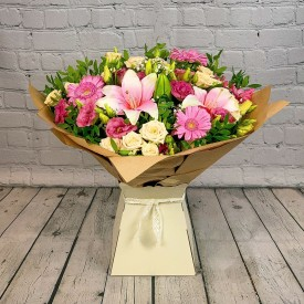 Sweet Admirer Hand-tied